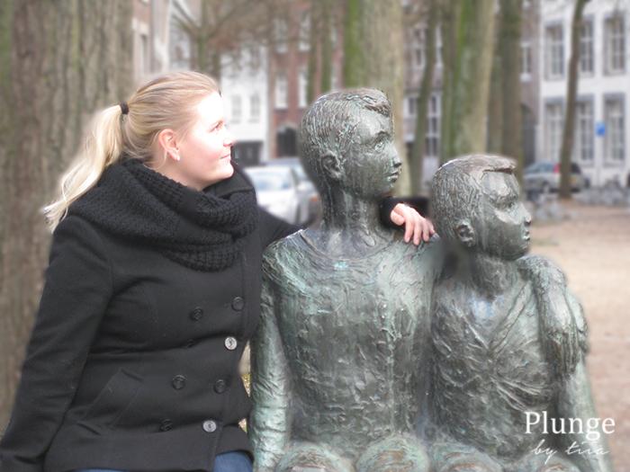 Posing in Den Haag