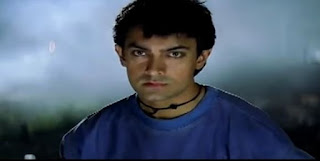 aamir khan looks towards running train