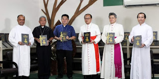 "Kardinal Suharyo Luncurkan ""Buku Tata Perayaan Ekaristi"" Baru untuk Gereja Katolik Indonesia"