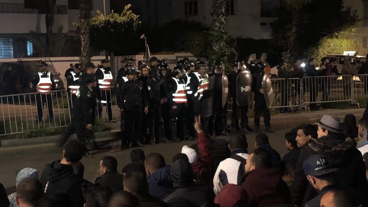 إصابات بعد تدخل الأمن لفض إعتصامات الأساتذة المتعاقدين في 6 مدن