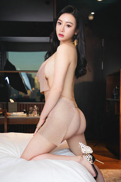 Hot and sexy big boobs photos of beautiful busty asian hottie chick Chinese booty model Xiao Xin Xin photo highlights on Pinays Finest Sexy Nude Photo Collection site.