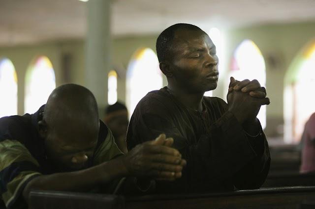 Extremistas matam um e sequestram três em ataque contra cristãos na Nigéria