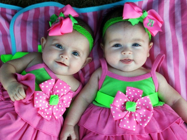 Bayi Kembar Lucu