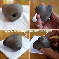 Batu Mustika Payudara Sucubus