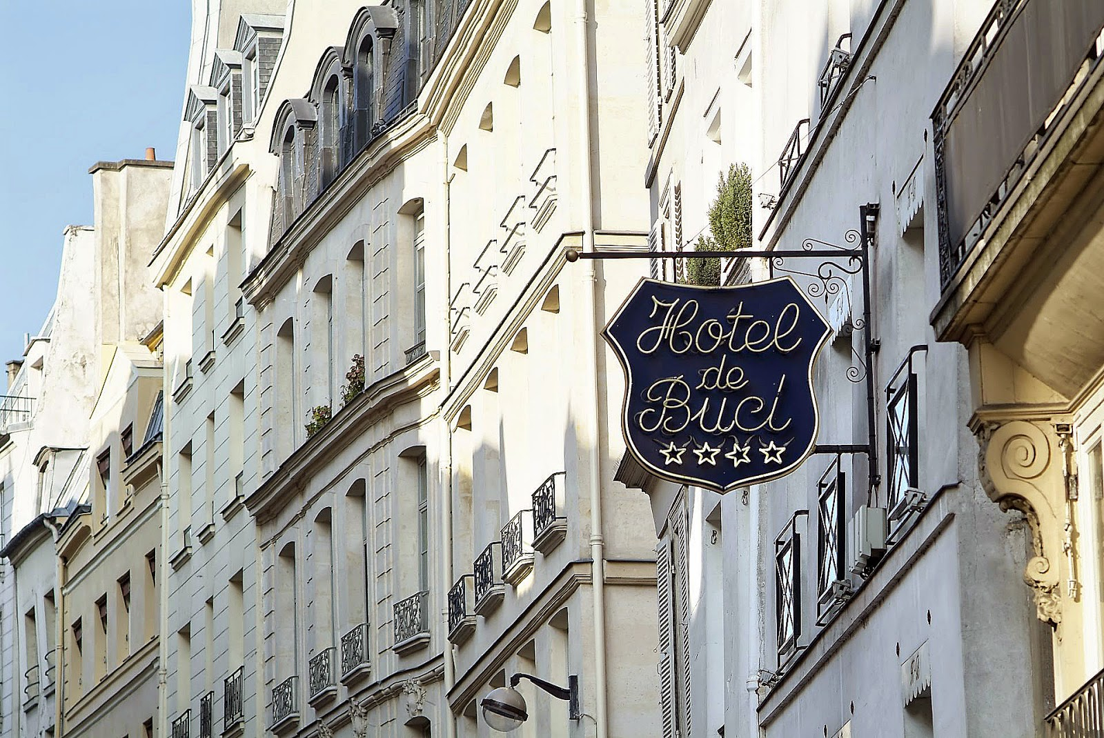 http://www.theaussieflashpacker.com/2015/03/luxury-hotel-review-hotel-de-buci-paris.html