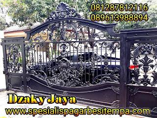Pintu gerbang klasik untuk rumah mewah klasik