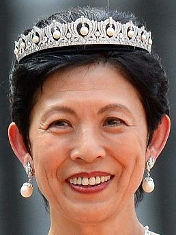 pearl diamond tiara japan princess yuriko mikasa takamado hisako