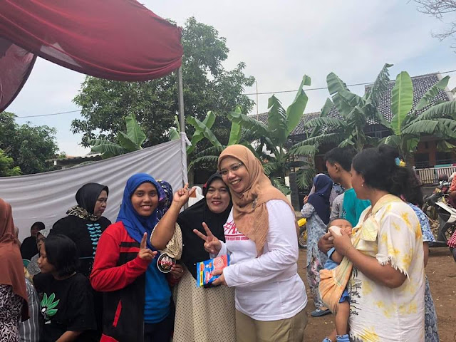 Partai Emak-Emak Keliling Kampung Sosialisasikan Prabowo - Sandi