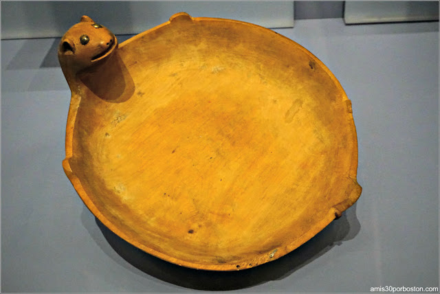 Dakota Effigy Bowl del Museo Nacional de los Indios Americanos de NYC