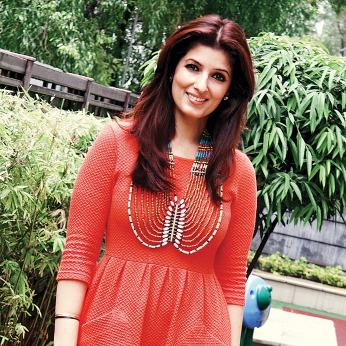 Beautiful Twinkle Khanna Hd Wallpaper - All 4U Stars Wallpaper-4676