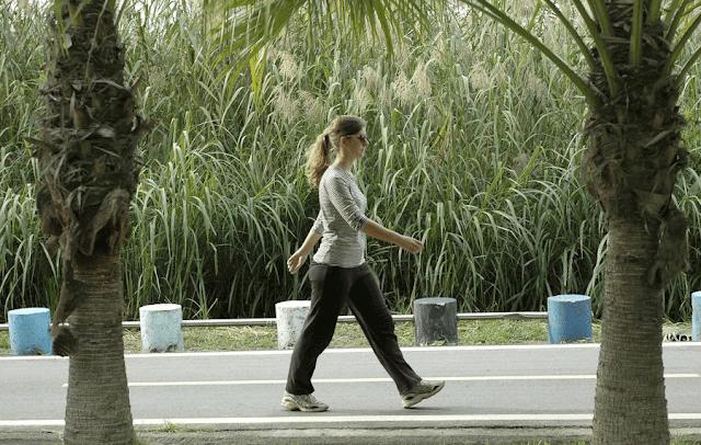 فوائد المشي في انقاص الوزن،فوائد المشي للكرش،فوائد المشي يوميا ،فوائد المشي السريع،المشي السريع لتخفيف الوزن ،المشي السريع لمدة ساعة ،المشي السريع لمدة نصف ساعة
