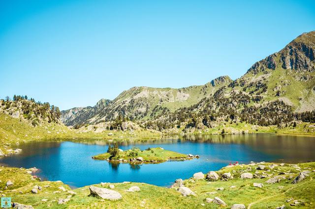 Lago en la ruta del Circ de Colomers (Val d'Aran)