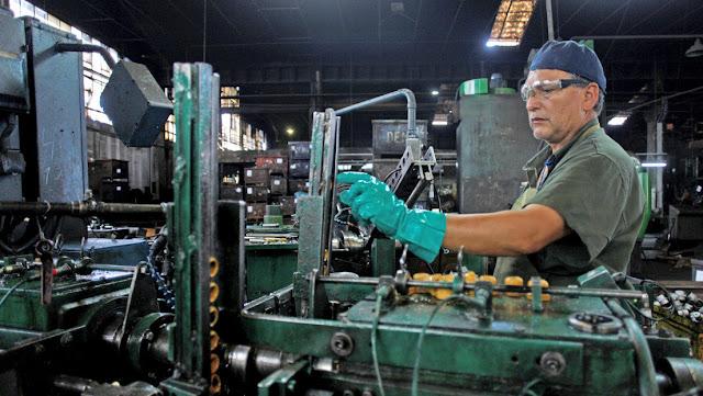 Las acciones de empresas siderúrgicas argentinas caen hasta 10 % por la restitución de aranceles anunciada por Trump