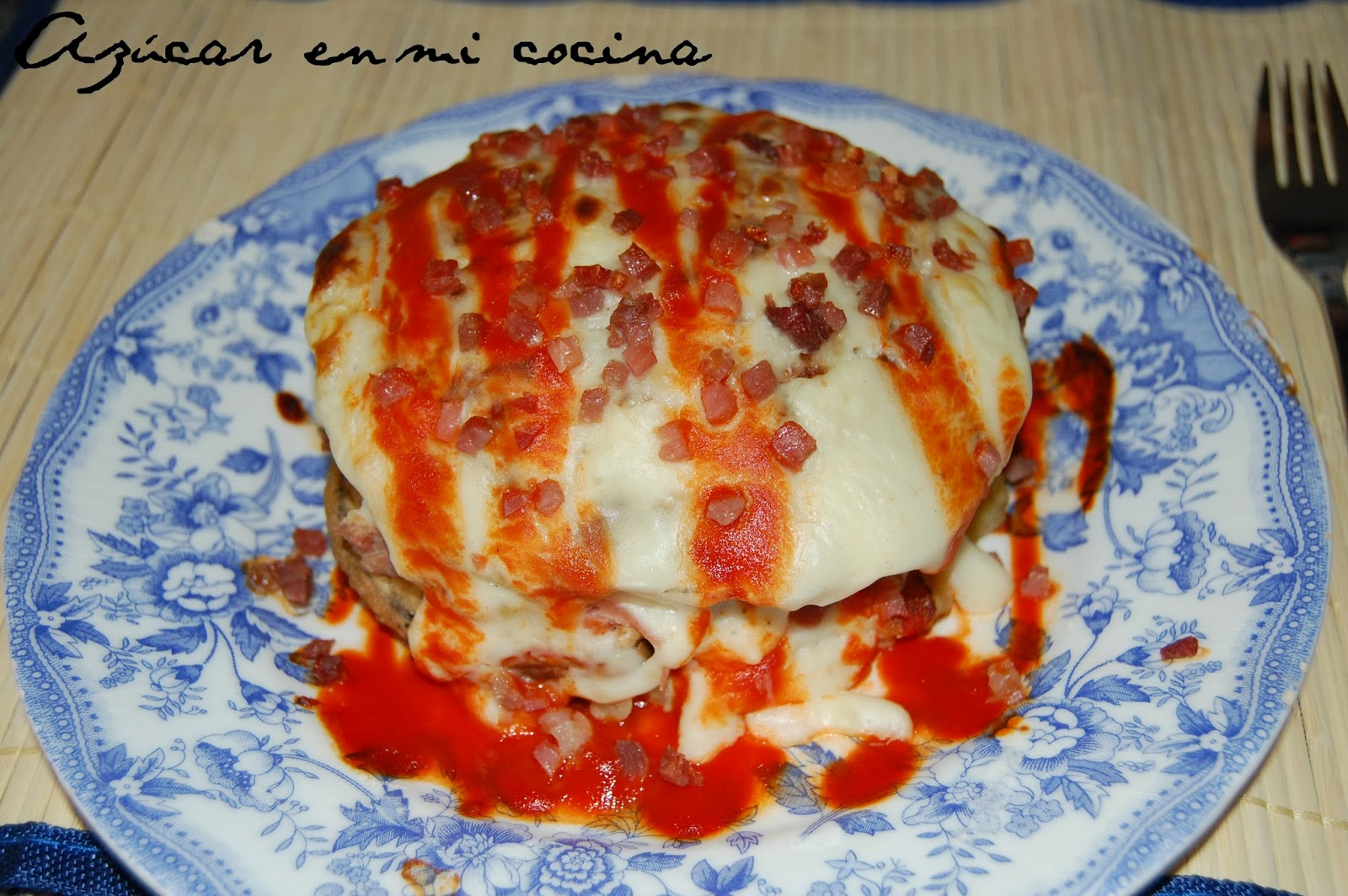 http://azucarenmicocina.blogspot.com.es/2013/11/milhojas-creps-de-tortilla-espanola-5.html