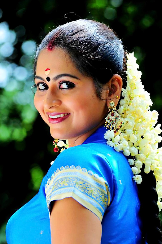 90ml Movie Actress Bommu Lakshmi Hot Photos - Actress Hot
