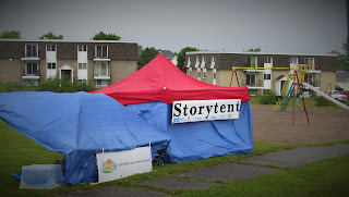 storytent in the rain