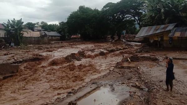 Data Terbaru: 41 Orang Meninggal Akibat Banjir Bandang-Longsor Flores Timur