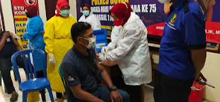 Dorprise dan Sarana Foto Copy Jadi Daya Tarik Warga Ikuti Vaksinasi Massal