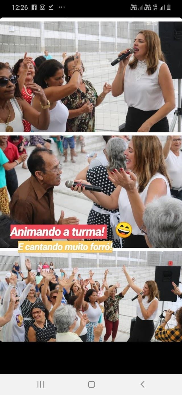 NINA ALMEIDA QUER SER CANTORA