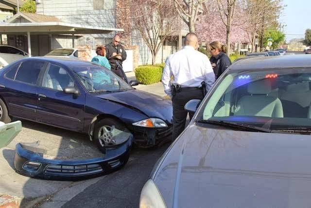 Visalia+Detective+Police+Car+Crash+Conyer+February+2014