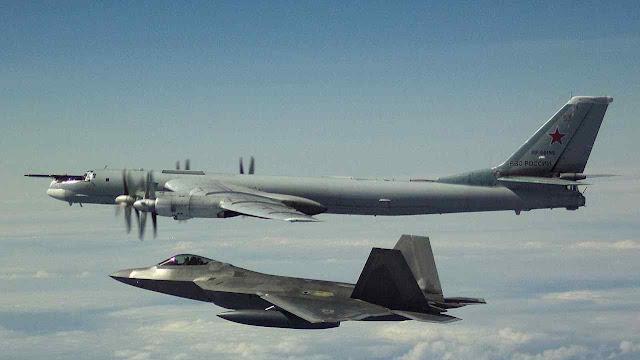 F-22 interceptam bombardeiros nucleares TU-160 e caças russos na costa do Alasca