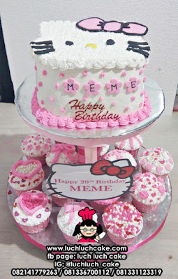 Cupcake dan Kue Tart Tier Hello Kitty