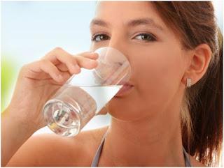 beber água de fibra quando consumidos em um plano de dieta