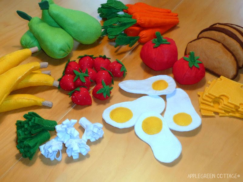 Felt play food tutorial with free patterns