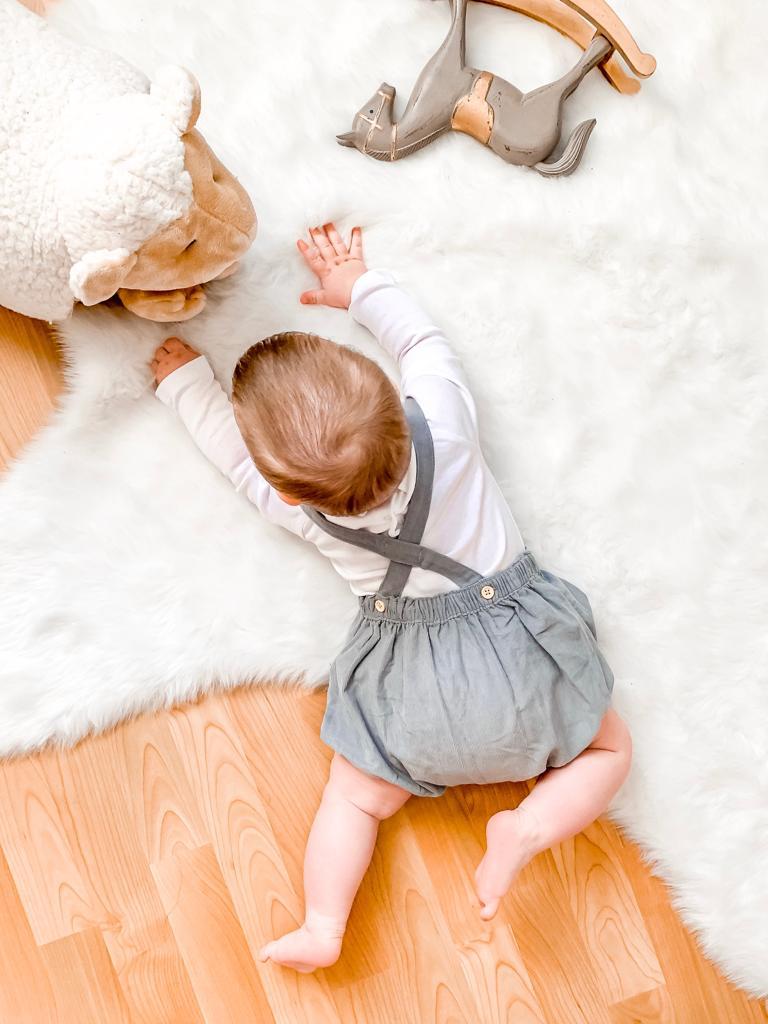 idées cadeaux sélection enfant bébé noel 6 à 12 mois jouets éveil petit prix cyrillus