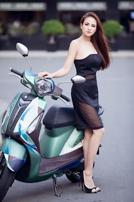 New 2016 Yamaha Nozza Grande 125cc Scooterwith model image