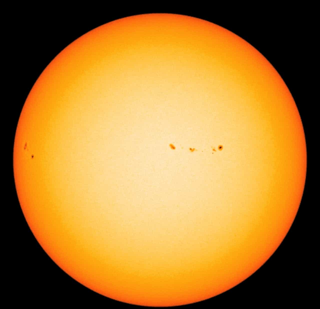 The sun in visible light - facts about the sun