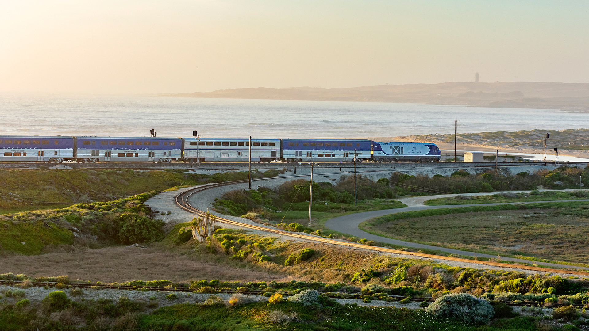 Amtrak Pacific Surfliner Will Require Reservations for Peak Travel Weekends This Summer