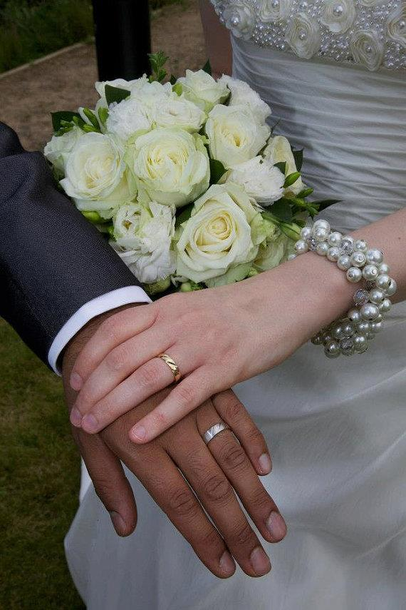 https://www.etsy.com/listing/103487751/cluster-pearl-bridal-bracelet-chunky?ref=shop_home_active_20