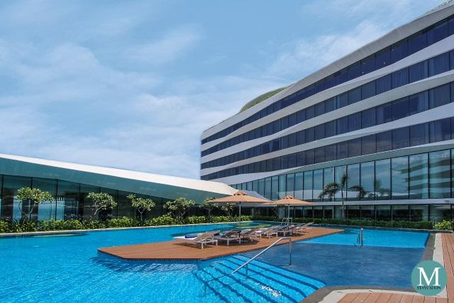 Swimming Pool at Conrad Manila