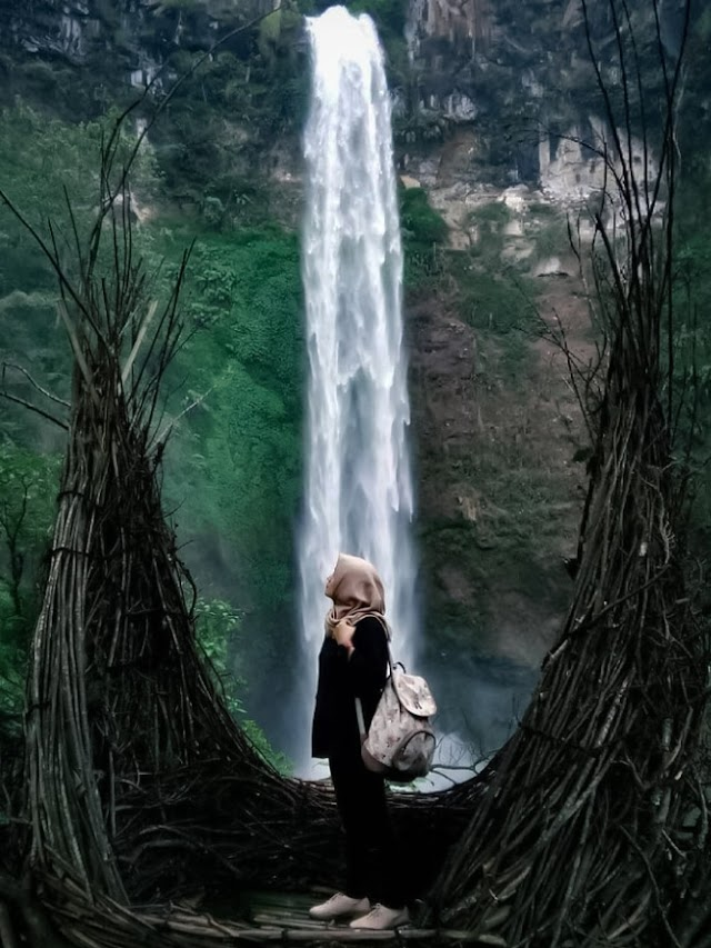 The Beauty of Coban Rondo Waterfall Indonesia