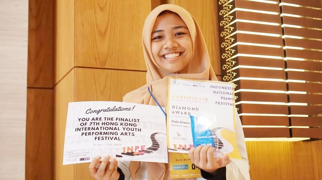 alunan lagu novaja kukla die neue puppe rafa shahira dalam indonesia national piano festival nurul sufitri travel lifestyle blogger review hang out