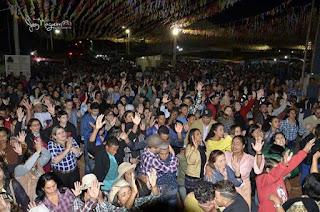 http://vnoticia.com.br/noticia/2795-festa-da-roca-em-guaxindiba-comeca-neste-feriado-e-vai-ate-domingo