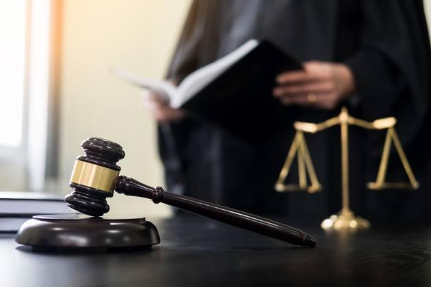 طنجة: توقيف محامي غير راض عن المهنة