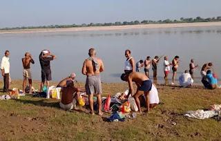 जालौन : पूर्वजों के तर्पण को पंचनद तीर्थ के विश्रांत घाट पर जुटी भीड़