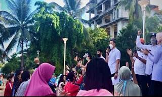 Pemkot Makassar Mengudaksi Pedagang Kaki Lima Di Anjungan Pantai Losari