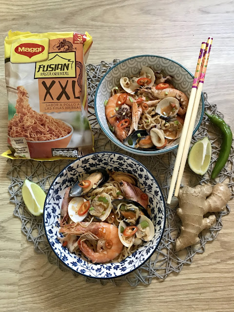 wok de noodles con marisco receta