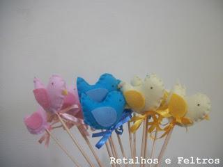 passarinhos de feltro no palito