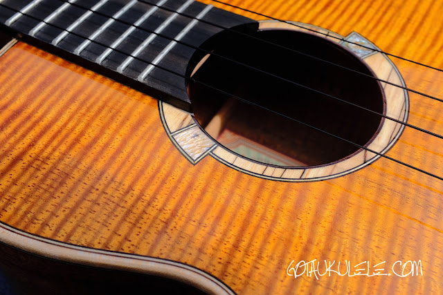 aNueNue ANN-U5K Koa Moon Bird Ukulele decoration