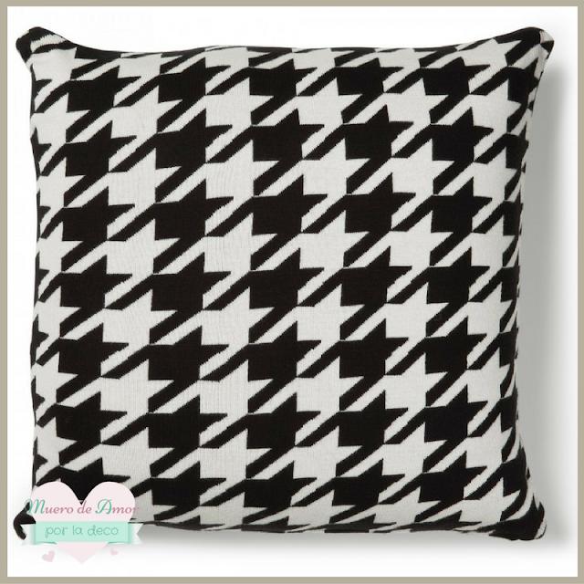 cojin-geometrico-blanco-negro
