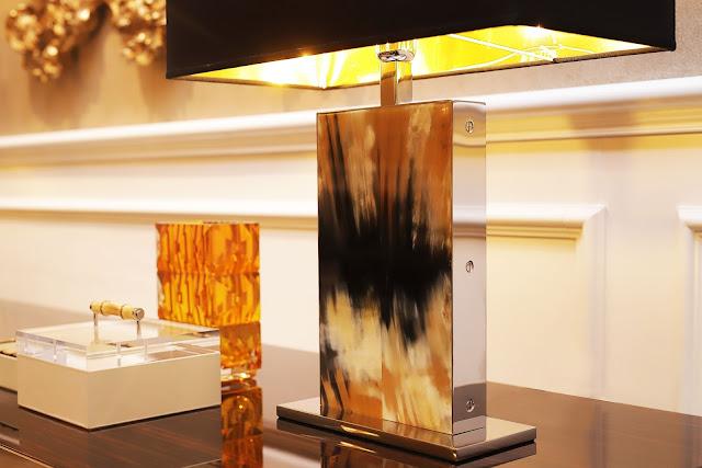 Chiếc đèn ngủ hàng sừng mỹ nghệ