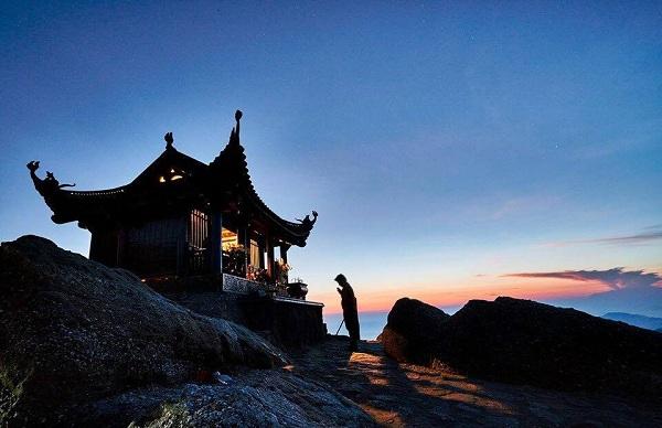 Núi Yên Tử - điểm du lịch tâm linh nổi tiếng ở Quảng Ninh