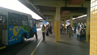 Marginal é baleado e preso pela Guarda Municipal dentro do Terminal de Vila Velha, ES
