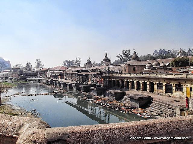 Pashupatinath - Os locais de cremação antes da cerimônia