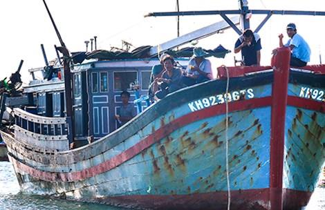 Image result for Trung Quốc ngang ngược đòi phạt tù ngư dân đánh bắt ở Biển Đông