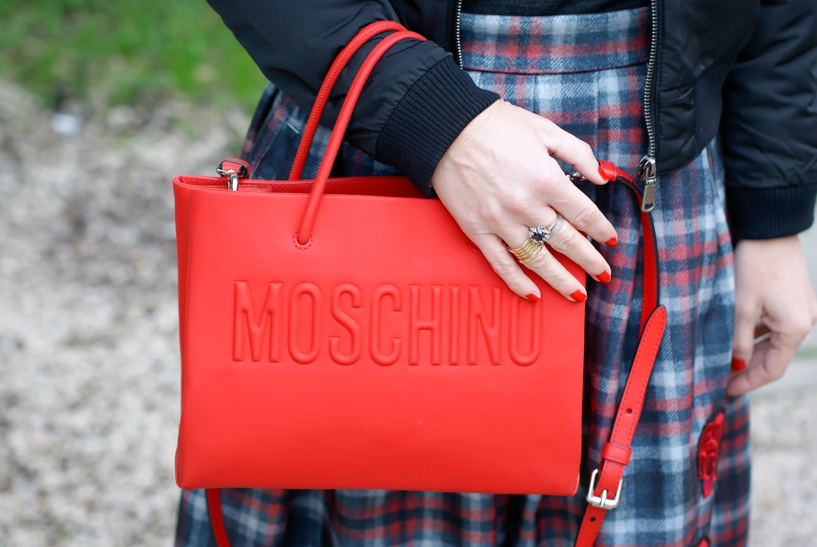 Red Moschino bag on Fashion and Cookies fashion blog, fashion blogger style